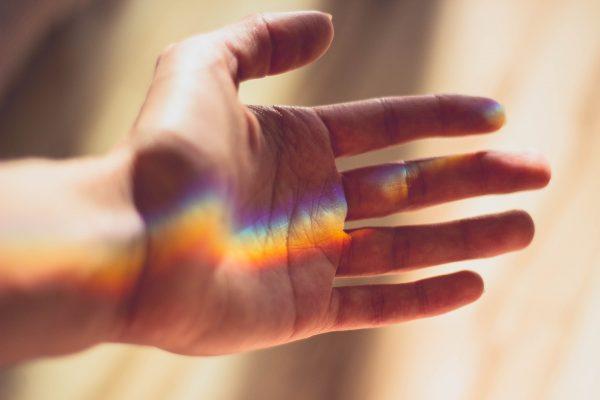 Wir reichen Euch die Hand! #WirWollenWerte (Foto: CM_DaSilva/Pixabay)